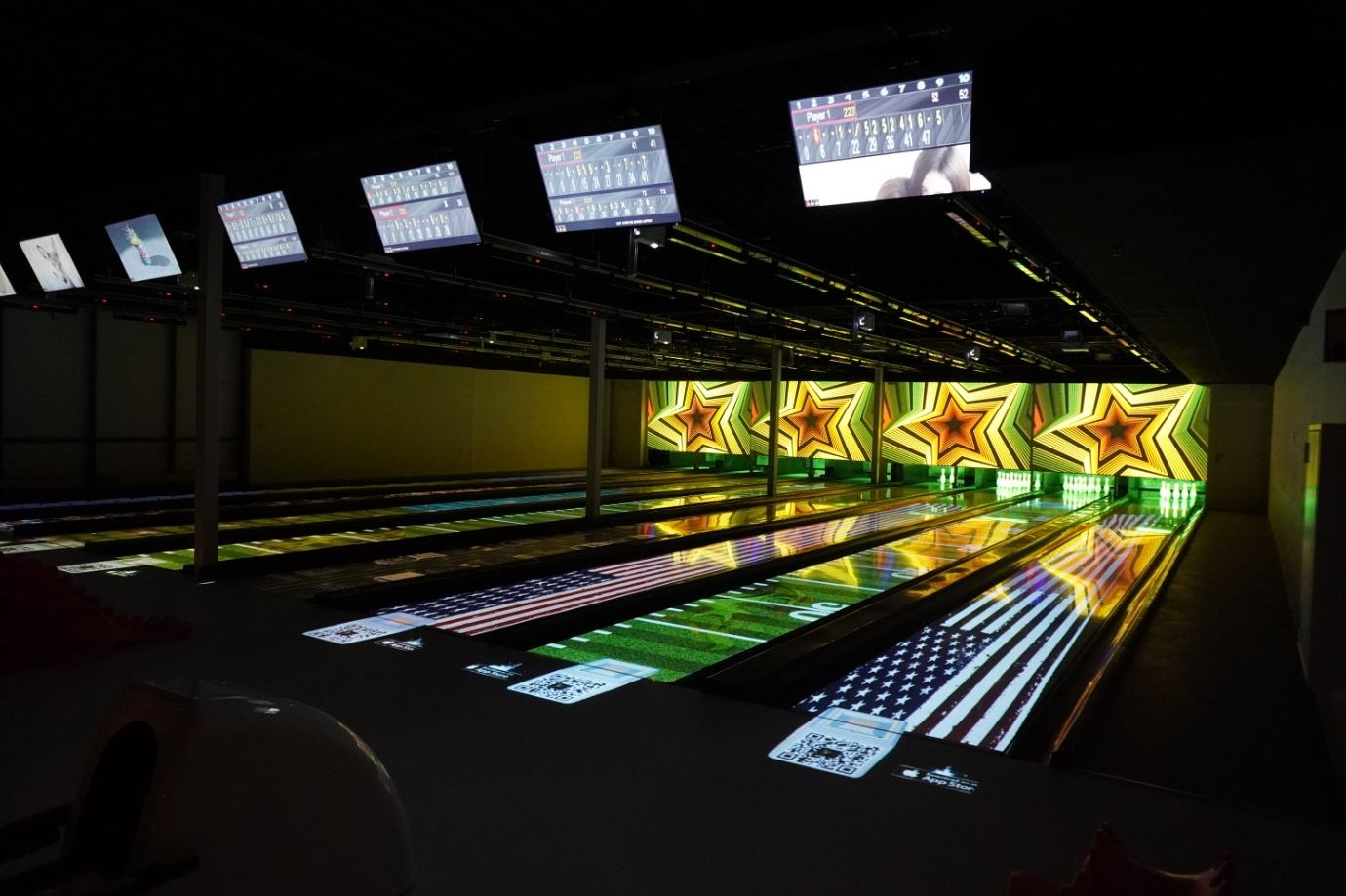 A new era of bowling with Optoma immersive projection